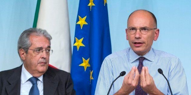 Imu, Enrico Letta sotto osservazione da parte dell'Europa. Olli Rehn: