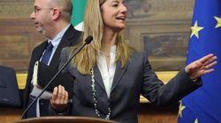 Consultazioni: non tutti i grillini d'accordo con i toni usati da Lombardi e Crimi con Bersani. Attesa per l'incontro con Gri...