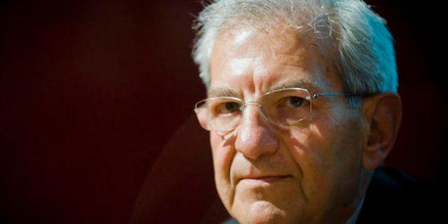 Governo, Roberto Maroni pontiere tra Pd e Pdl, in cerca un nome per il Quirinale. E si fa strada l'ipotesi...
