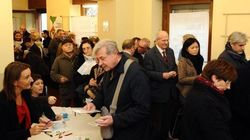 Primarie centrosinistra, l'Italia sceglie. Urne aperte fino alle 20, file ai