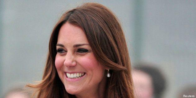 456264470b79 Kate Middleton  un abito premaman da 23 euro per la duchessa di Cambridge