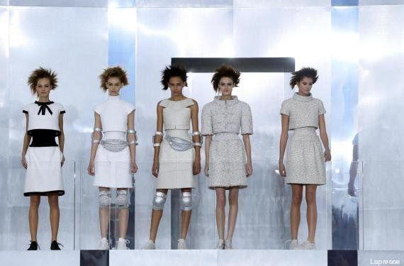 Parigi fashion week 2014: Chanel in passerella con le sneakers ai piedi