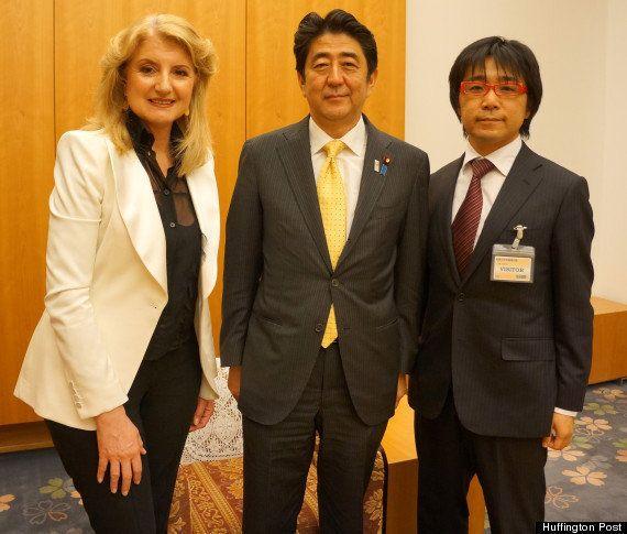 Una cartolina dal Giappone: chiacchierata con il primo ministro Shinzo Abe su Zen, Abenomics, social...