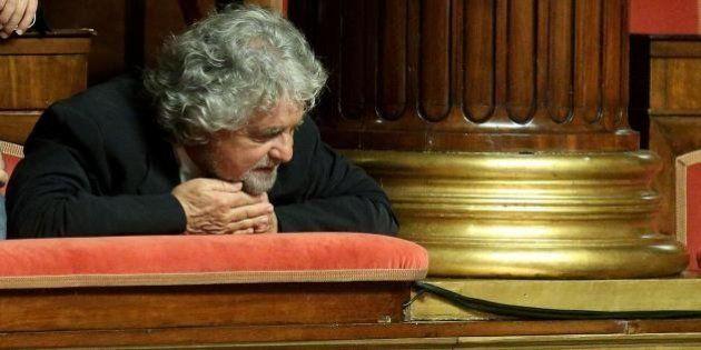 Beppe Grillo incontra i dissidenti. Loro:
