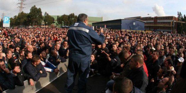 Ilva, dopo l'annuncio della chiusura e gli arresti giornata di sciopero: a rischio 5mila lavoratori....