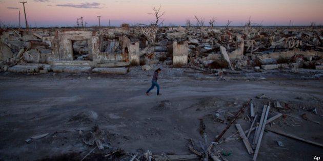 Epecuen, città fantasma argentina riemerge dalle acque dopo 25