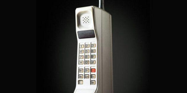 Il cellulare compie 40 anni: dalla prima chiamata con un telefonino al iPhone
