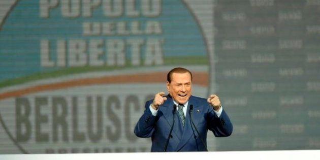 Il giorno del falco. Silvio Berlusconi chiama i fedelissimi ad Arcore per tracciare il piano di guerra....