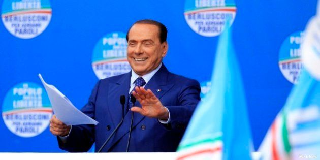 Silvio Berlusconi fa ballare il governo. Nella piazza spaccata di Brescia alza l'asticella a Letta su...