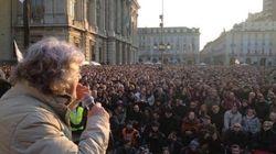 Beppe Grillo fa il pienone anche a Genova