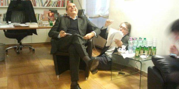 Pier Luigi Bersani prima del confronto tv: su Twitter posta la foto con Gotor