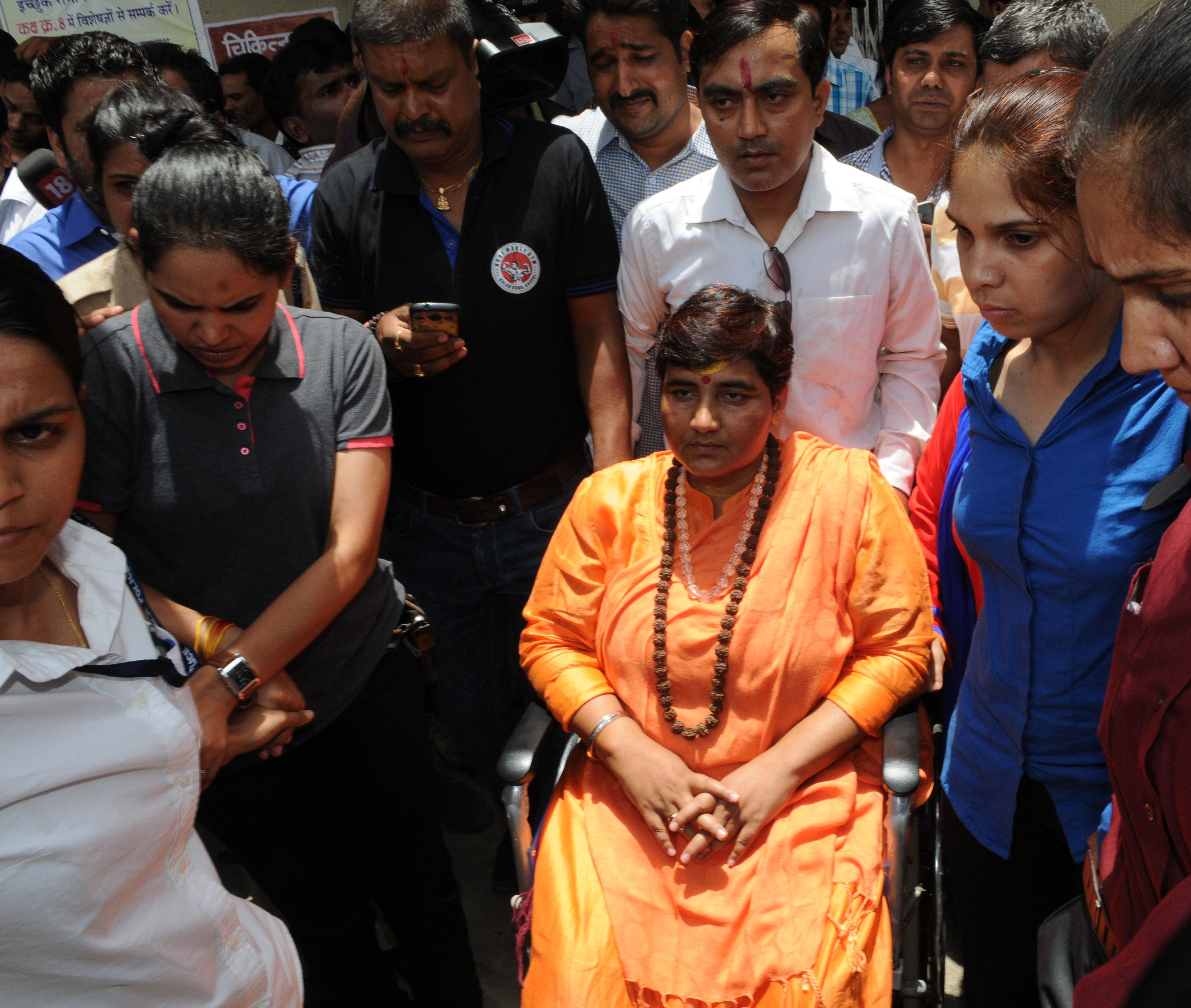 NIA Court Leaves It To EC To Decide If Pragya Thakur Can Contest