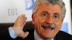 D'Alema 'chiama' Renzi per il congresso: Cuperlo al Pd e Matteo premier. Il sindaco? Scrive: libro pronto a fine