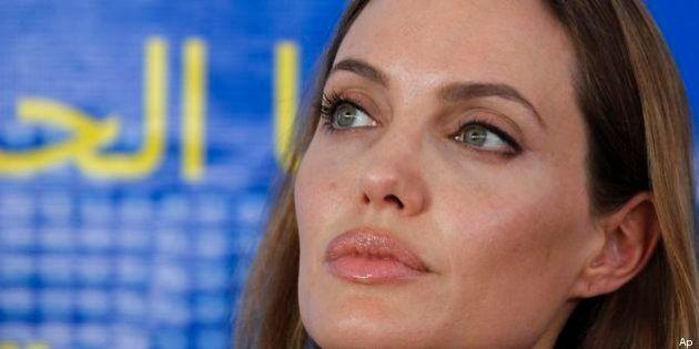 Angelina Jolie alla Giornata Mondiale del Rifugiato: in Giordania per parlare della guerra in Siria