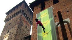 Milano, blitz di Greenpeace a Castello Sforzesco per una
