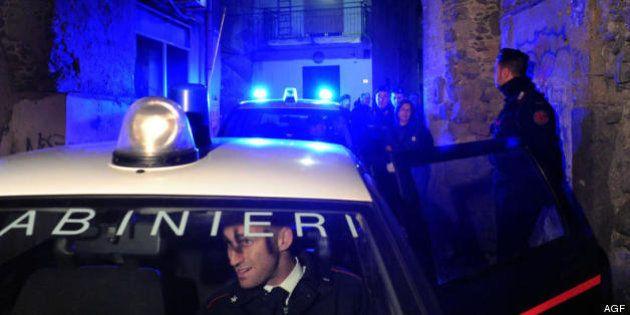 Carabinieri Napoli in una notte fermano 101 auto senza