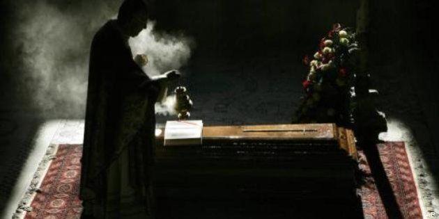 Funerali in chiesa, stop alle lacrime. Arriva il divieto del vescovo di Vittorio