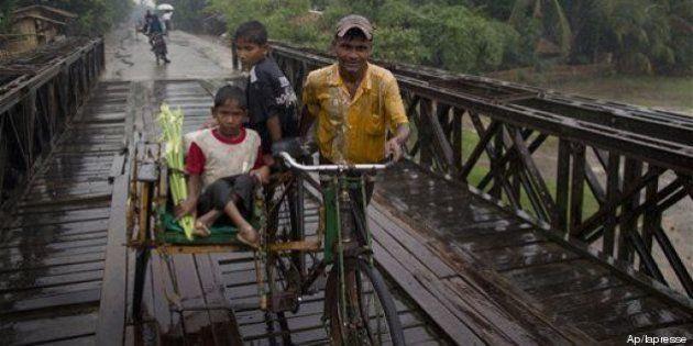 Il ciclone Mahasen minaccia India, Bangladesh e Birmania. Il governo birmano evacua 166 mila persone
