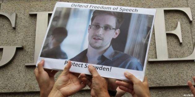 Edward Snowden: non può partire da Mosca. Fonti vicine alla talpa:
