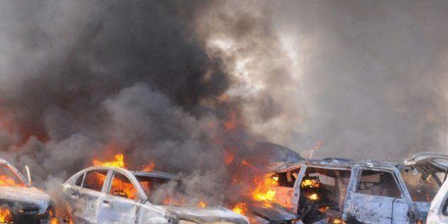 Siria: cinque autobombe a Damasco, decine di vittime (FOTO