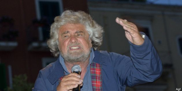 Beppe Grillo preoccupato: Intorno a M5s c'è una stretta, cercano di farci fuori