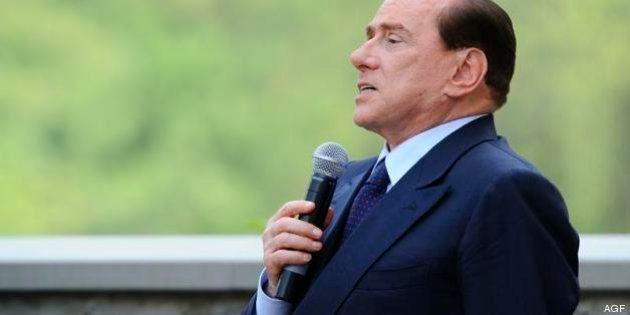 Governo, Silvio Berlusconi sbarella. Due schiaffi su Lodo Mondadori e Napoli, e il Pdl è tutto e il suo