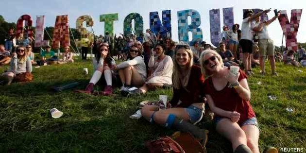Glastonbury Festival 2013: musica, danza e arte. Immagini dalla festa hippie più grande d'Inghilterra