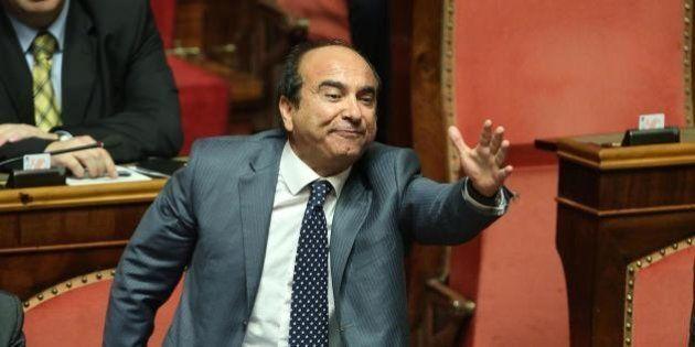 Domenico Scilipoti in aula per la fiducia a Letta va all'attacco del Pd: Grasso lo richiama