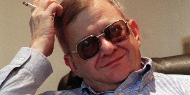 Tom Clancy morto, lo scrittore scomparso all'età di 66