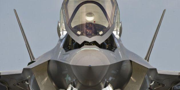Il Pentagono mette a terra l'F35. Problemi al motore del caccia ordinato dall'Italia (90 esemplari) tra...