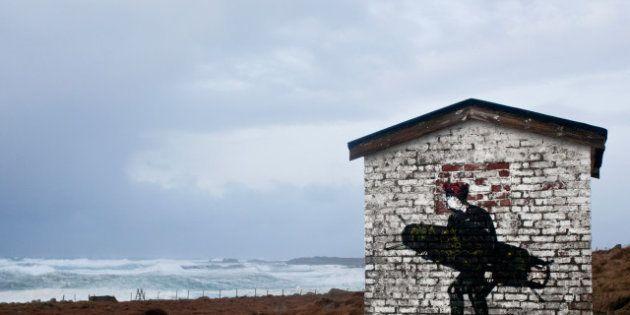 Graffiti persi nel nulla, la street art di Pøbel anima i luoghi dimenticati