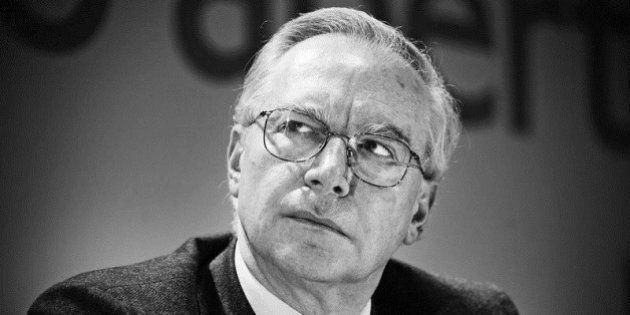 Guglielmo Epifani lancia l'area socialdemocratica nel Pd. Chiede a Matteo Renzi modifiche al decreto