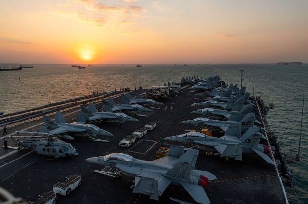 Επίδειξη ισχύος από τις ΗΠΑ στη Μεσόγειο, με δύο ομάδες κρούσης