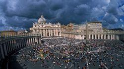 Benedetto XVI riceve i tre cardinali del rapporto Vatileaks (FOTO,