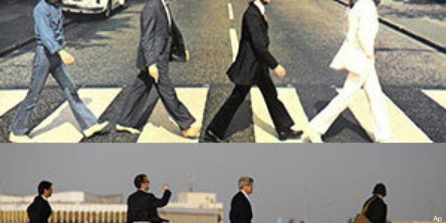 Foto parallele: 1969 Beatles a Londra, 2013 John Kerry a