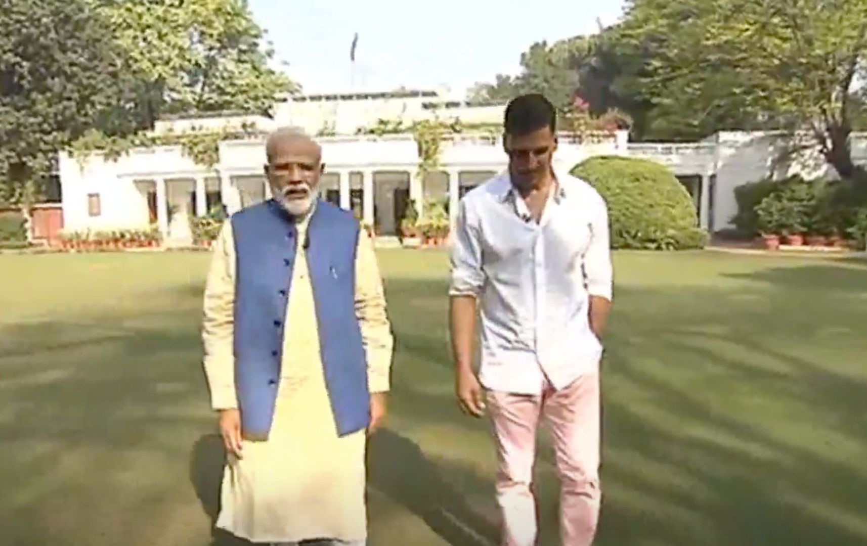 'Modi Trying To Become A Better Actor Than Akshay Kumar':