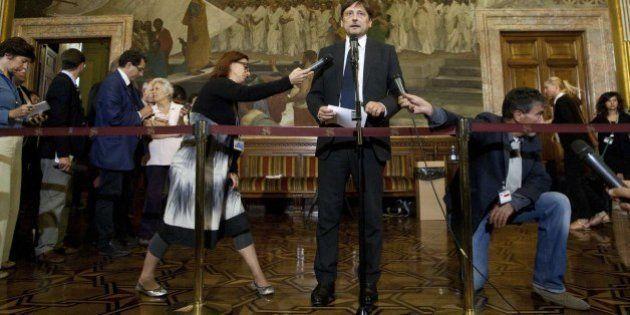 Decadenza Berlusconi: la lunga giornata della giunta, dal post di Crimi agli scontri tra Pd e