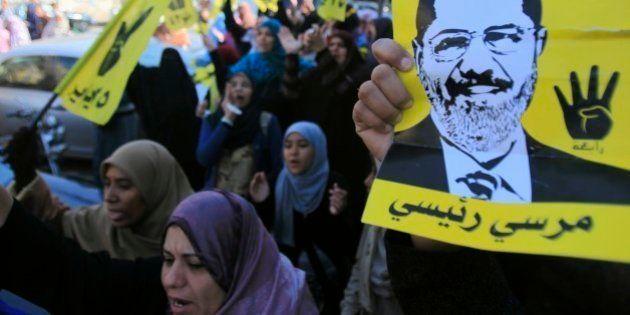 Egitto: giro di vite del governo sui Fratelli Musulmani. In carcere chi posta su Facebook il logo della