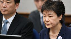 """″아우슈비츠와 다를 바 없다""""는 박근혜 형집행정지 청원서"""