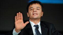 Il silenzio di Renzi su Mps fa infuriare