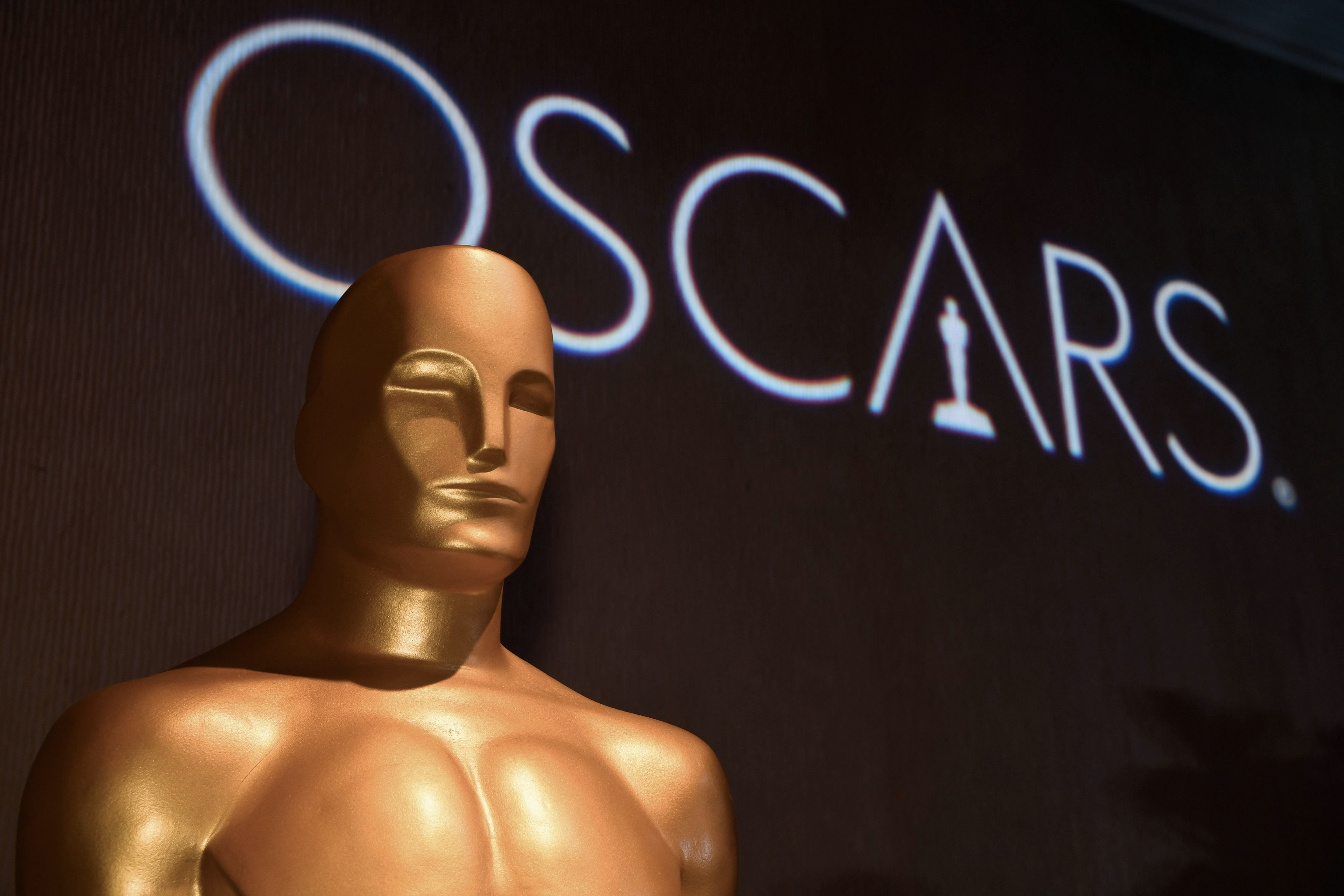 Oscar statue watches over the 91st Oscars Nominees Luncheon at the Beverly Hilton hotel on February 4, 2019 in Beverly Hills. (Photo by Robyn BECK / AFP)        (Photo credit should read ROBYN BECK/AFP/Getty Images)