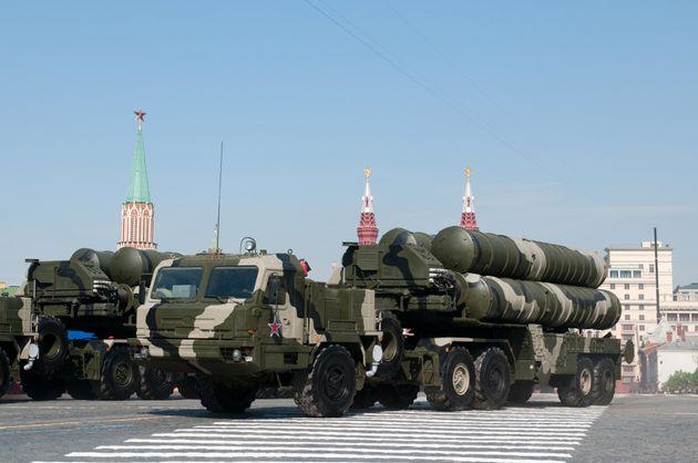 Η Ρωσία επιβεβαιώνει πως οι S-400 θα παραδοθούν στην Τουρκία τον