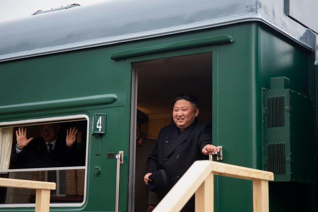 Στο Βλαδιβοστόκ με το πράσινο τρένο του ο Κιμ Γιονγκ