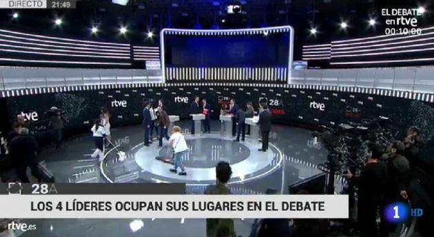 La historia tras esta polémica imagen del debate de TVE: