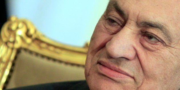 Egitto, Hosni Mubarak e le sue sette vite. Cinque attentati, una rivoluzione, due infarti e 30 anni di...
