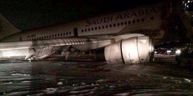 Arabia Saudita, misteriosa pioggia di brandelli umani su Gedda. Forse migrante nascosto in un