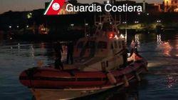 Un barcone si è capovolto nel canale di Sicilia. 250 migranti a