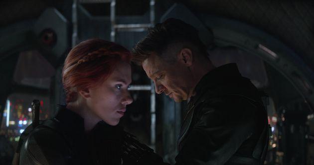 Scarlett Johansson and Jeremy Renner in