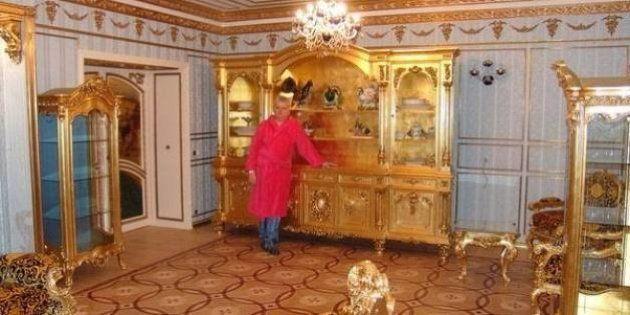 Don Milisav. Quest'uomo serbo si fotografa in mezzo alle proprie ricchezze, in cerca della donna giusta
