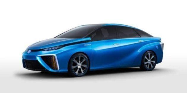 Toyota lancia l'auto del futuro. Dal 2015 in California arriva un veicolo ibrido con celle a